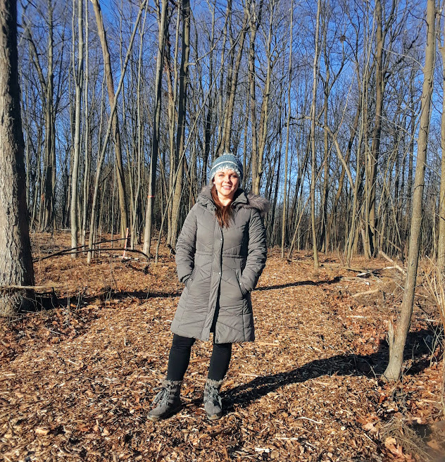 hike winter fit mom
